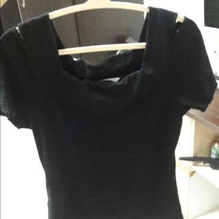 黑色棉質露肩上衣
