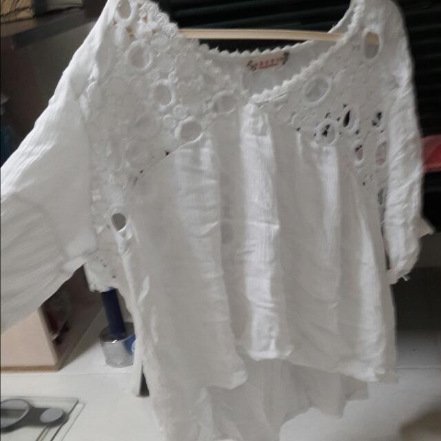 麻棉前短後長鏤空白上衣