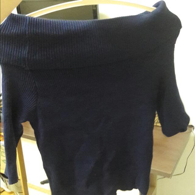 深藍棉質露肩上衣