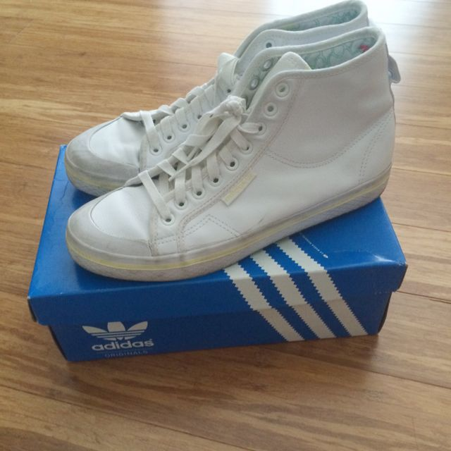 ADIDAS ORIGINALS - Honey Mids In White