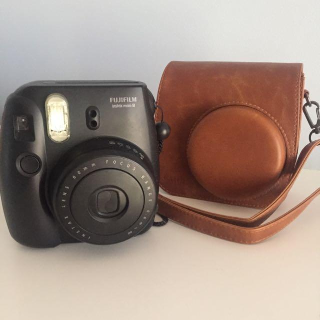 Fujifilm Instax Mini, comes with Leather Case