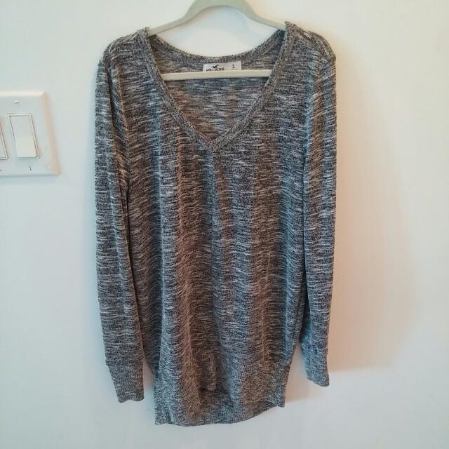 Hollister Grey/White DeepV Shirt