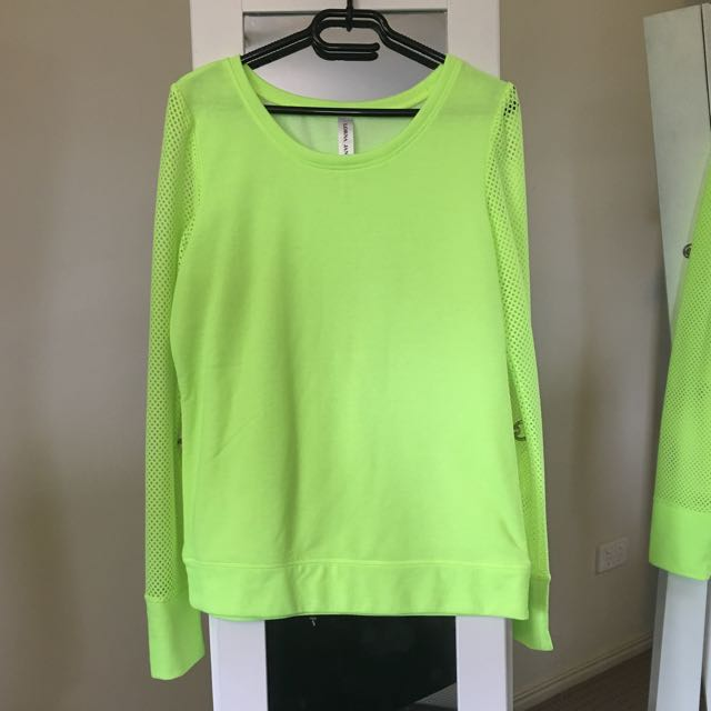 Lorna Jane Top With Mesh Sleeve Detail