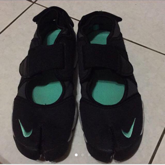 Nike忍者鞋