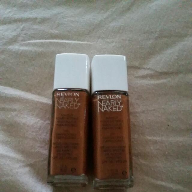 Revlon nearly Naked Liquid Foundation ×2