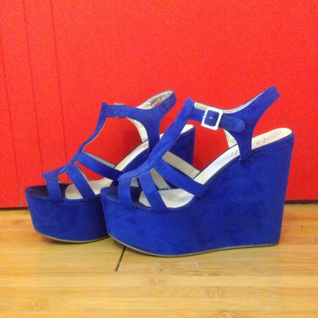 Verali High Heel Wedges Size 8