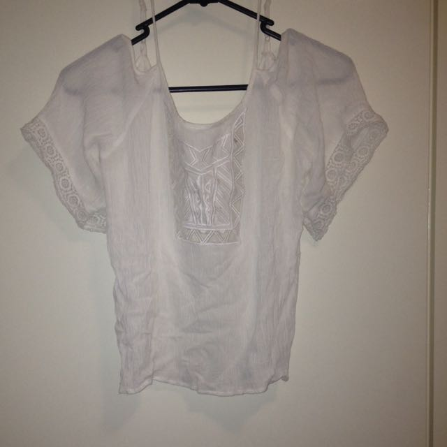 White Off The Shoulder Crop Size S Mooloolah Brand