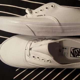 Brand New White Authentic Vans Sz8