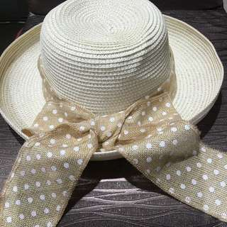 $10!! Almost Brand New Straw Hat