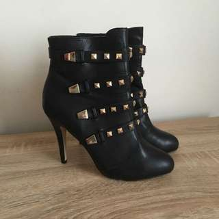 Betts Boots, Size 8 Brand New In Box Never Worn