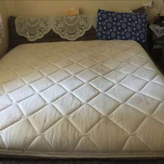 Memory Foam Bed Mattress/ Bed frame
