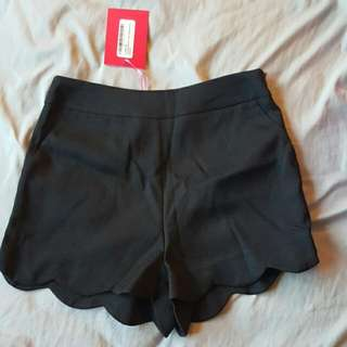Black Pants With Scalloped Edge