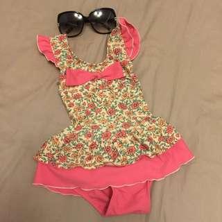 女孩兒連身泳裝小碎花,80-90公分寶寶可穿,夏日必備喔,百貨APPLE品牌原價1100!(價格含運、購買就送小禮物)