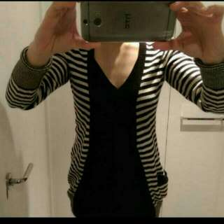 Black And White Cardigan Size D