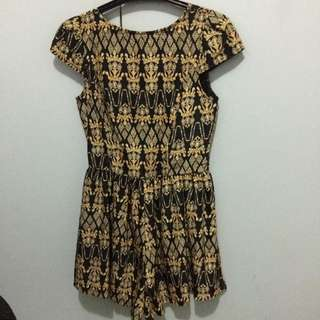 Size Xs Play suit