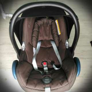 Maxi Cosi Cabriofix Infant Car Seat With Insert (Brown)