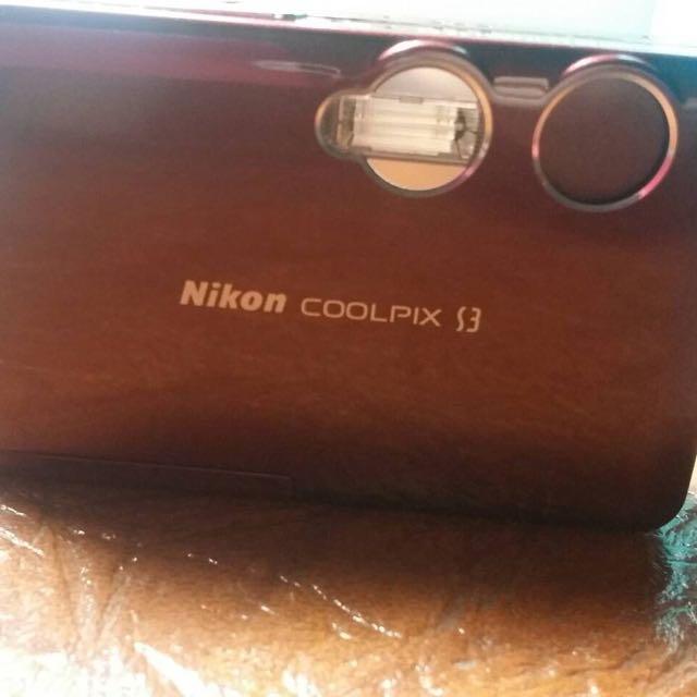 (二手99成新) Nikon coolpix s3 野火紅數位相機