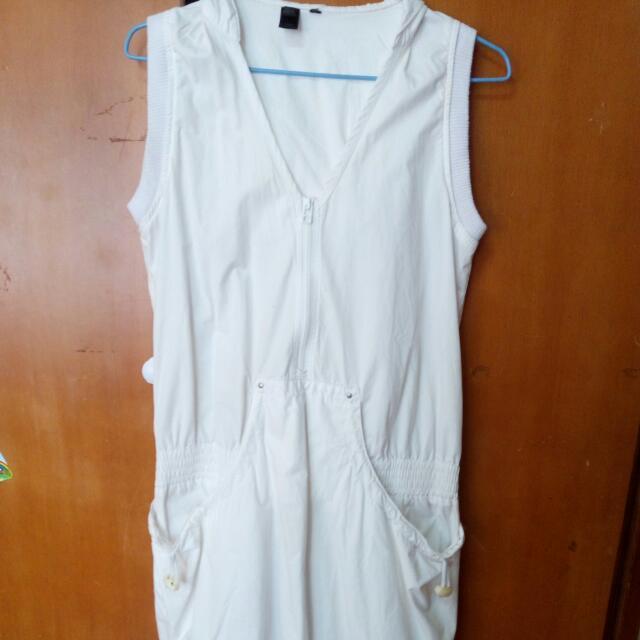 白色街頭運動風洋裝
