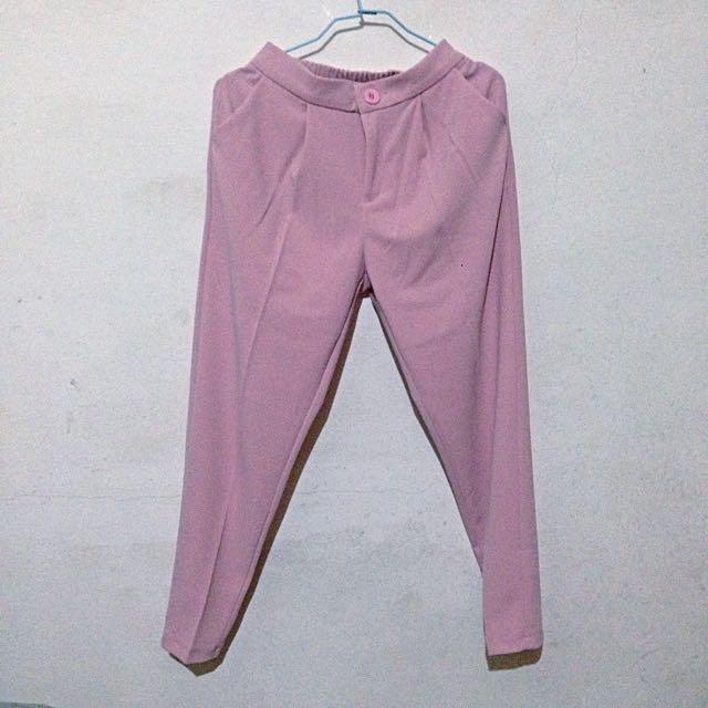 粉紅色西裝褲