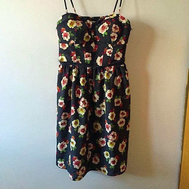 AE Poppy Dress Size 8