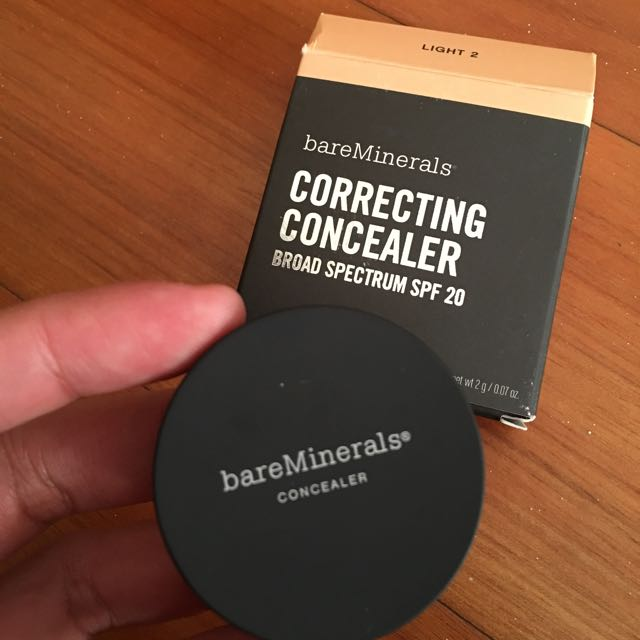 Bare Minerals Correcting Concelaer - Light