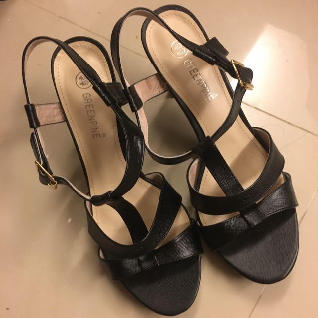 Greenpine黑色跟鞋