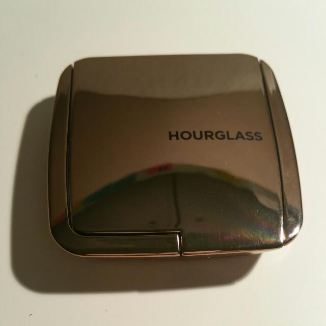 Hourglass Ambient Lighting Blush In Diffused Heat