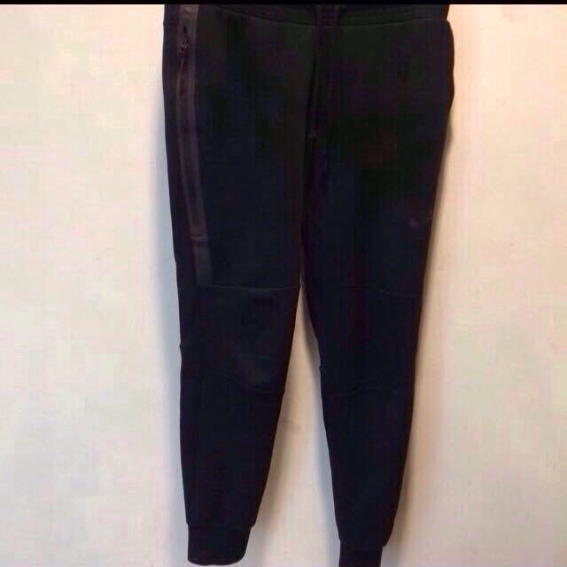Nike Tech Fleece 黑色棉褲