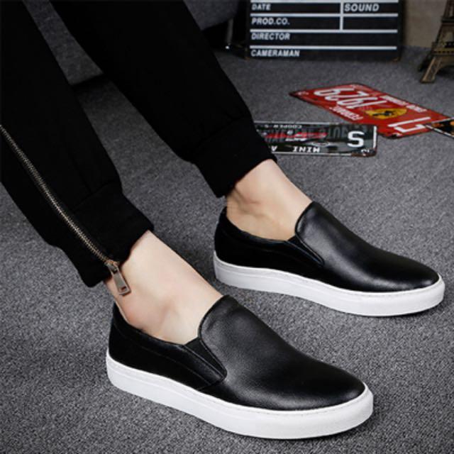 Phoenix. 全新 僅試穿過 韓版 潮流 隨性 百搭 黑色皮革平底休閒鞋 便鞋 42號 買在送隱形襪3雙