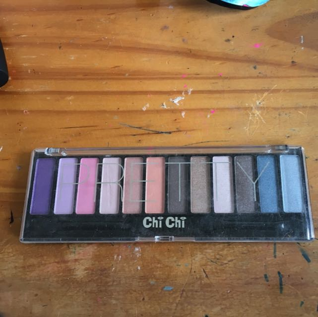 Pretty Chi Chi Eye Shadow