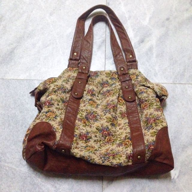 PULL & BEAR Floral Tapestry Bag