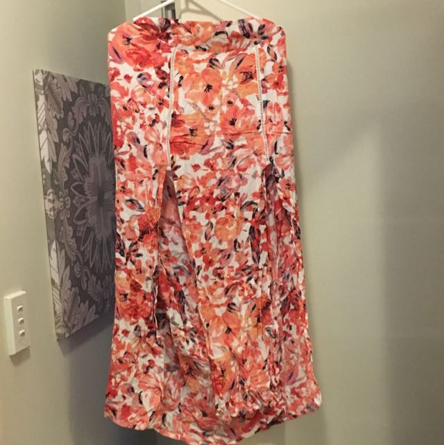 Size 14 Slit Billabong Maxi Skirt