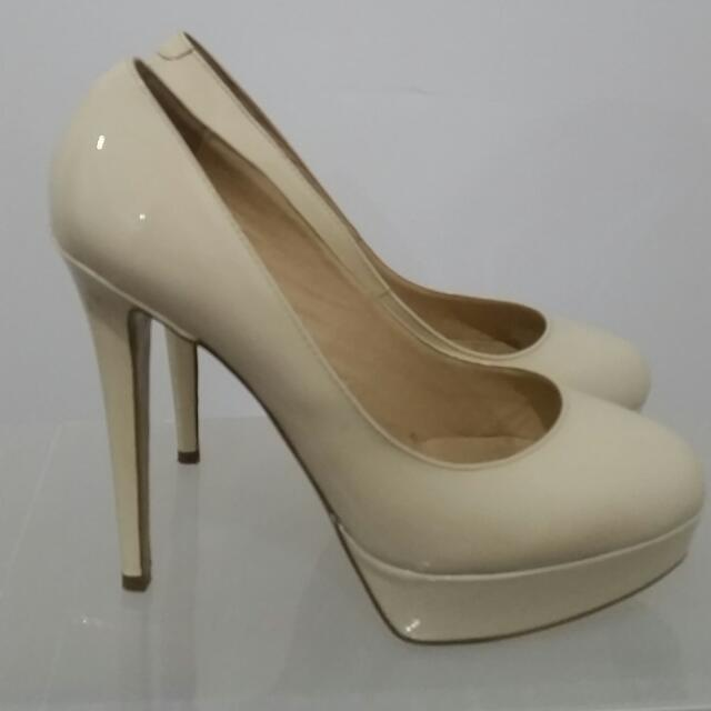 TONY BIANCO Platform Pumps - SIZE 9