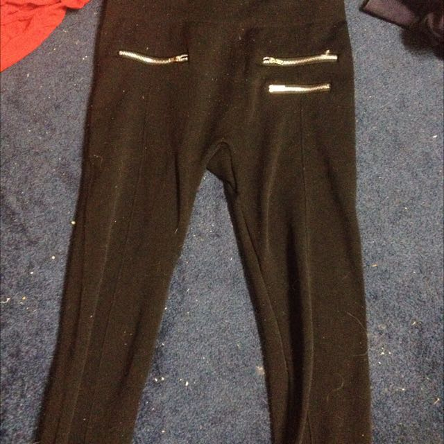 Zipper designed leggings