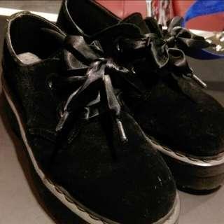 正版Dr.martens 馬汀大夫 黑色 厚底鞋