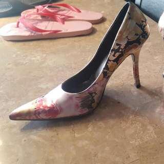 Flowery Pointed Toe Heels