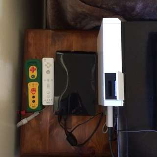 Nintendo Wii - Only 211 Games 3 Controllers Nunchucks 2tb Hard Drive