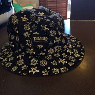 Thrasher Snowflake Bucket Hat