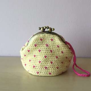 crocheted yellow coin purse with magenta dots (with desired name tag or short message tag)