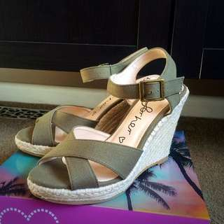 Betts For Her Wedges