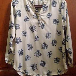 Flower Top In Cream
