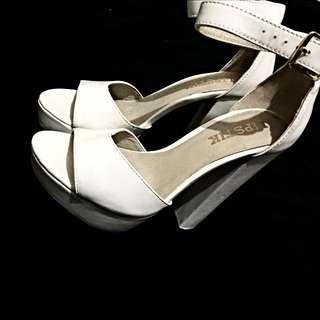 Lipstick Heels - White