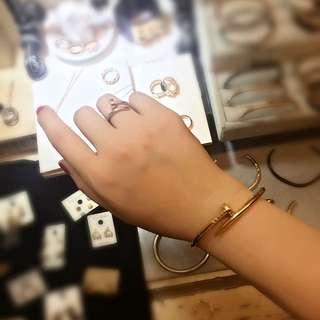金色釘子戒指手環組出清特賣‼️ 不掉色、漆 醫療鋼材質💖