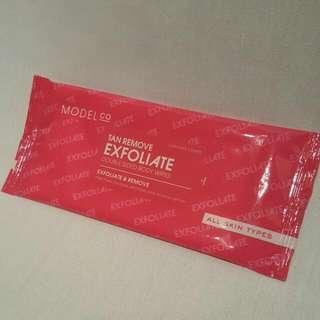 Model Co Tan Remove Exfoliate