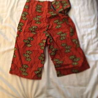 Size Medium Baggy  3/4 Shorts