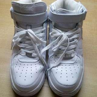 Nike 白色高桶鞋