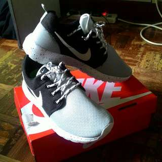 Nike Custom Oreo Roshe Run