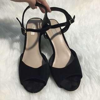 NUDE black block heel