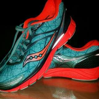BN- SAUCONY shoe