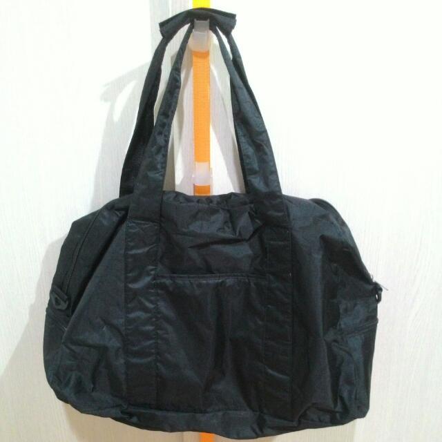 黑色大容量旅行袋行李袋